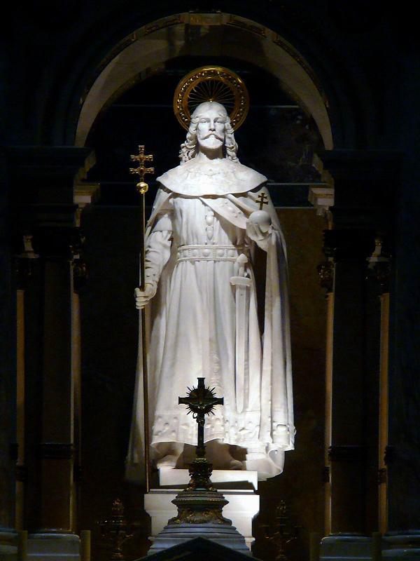 Magyar Éremkibocsátó Kft. - Szent István szobra a bazilikában